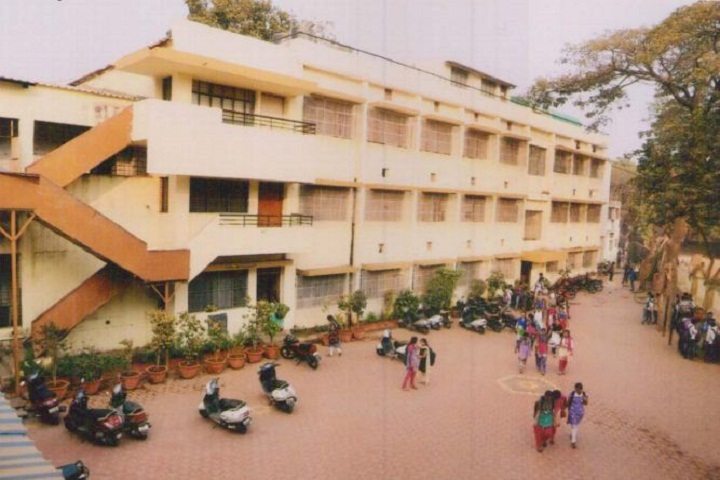 https://cache.careers360.mobi/media/colleges/social-media/media-gallery/15854/2018/12/15/Campus view of Dattajirao Kadam Arts Science and Commerce College  Ichalkaranji_Campus-View.JPG