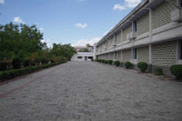 https://cache.careers360.mobi/media/colleges/social-media/media-gallery/15885/2018/10/17/Campus View of Matushri Virbaima Mahila Science and Home Science College Rajkot_Campus-View.jpg