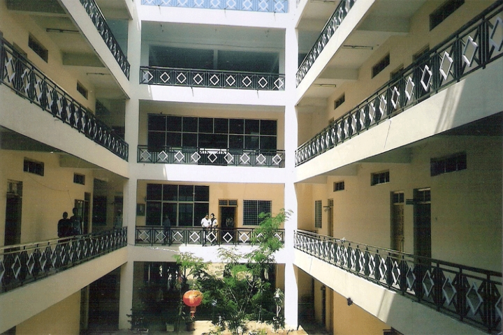 https://cache.careers360.mobi/media/colleges/social-media/media-gallery/15948/2019/7/25/Campus View of Deccan Education Society Gulbarga_Campus-View.jpg