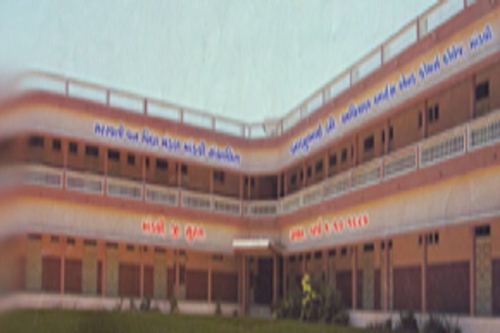 https://cache.careers360.mobi/media/colleges/social-media/media-gallery/16015/2018/10/4/College Building View of Babubhai B Avichal Arts and Commerce College_Campus-View.jpg