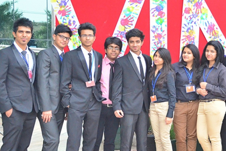 https://cache.careers360.mobi/media/colleges/social-media/media-gallery/16148/2018/12/9/Students of Vivekananda School of Business Studies Delhi_Others.jpg