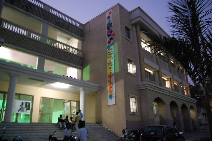 https://cache.careers360.mobi/media/colleges/social-media/media-gallery/16240/2019/1/21/Government School of Art Aurangabad_Campus-View.jpg