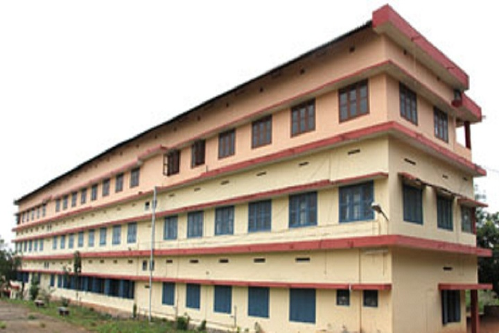 https://cache.careers360.mobi/media/colleges/social-media/media-gallery/16299/2020/1/8/Campus View of Pazhassi Raja NSS College Mattanur Kannur_Campus-View.jpg