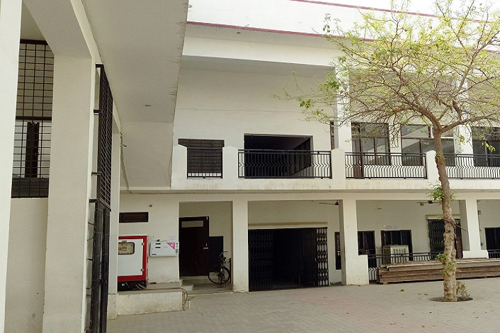 https://cache.careers360.mobi/media/colleges/social-media/media-gallery/16343/2019/2/23/Campus View of Maharshi Dayanand PG Girls College Raisinghnagar_Campus-View.png