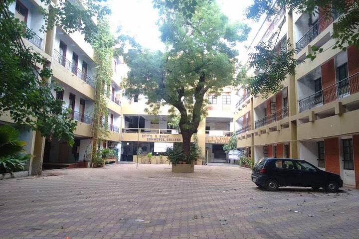 https://cache.careers360.mobi/media/colleges/social-media/media-gallery/16418/2018/8/1/city-CU-Shah-Commerce-college-Ahmedabad_campus.jpg