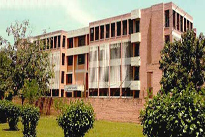https://cache.careers360.mobi/media/colleges/social-media/media-gallery/16441/2016/9/29/Shaheed-Ram-Singh-Pathania-Memorial-College-Niari.jpg