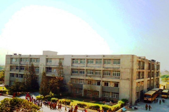 https://cache.careers360.mobi/media/colleges/social-media/media-gallery/16471/2018/10/11/College Building View of Dr V.R.Godhaniya College Mahila Arts Comm. Home Sci and I.T College Porbandar_Campus-View.jpg