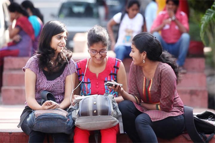 https://cache.careers360.mobi/media/colleges/social-media/media-gallery/16545/2016/9/30/Nivrutti-Babaji-Navale-College-of-Commerce-Pune-(16).jpg