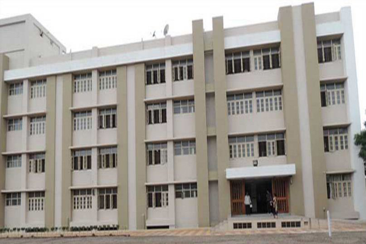 https://cache.careers360.mobi/media/colleges/social-media/media-gallery/16554/2019/5/17/Campus View of Smt RR Patel Mahila Arts and Commerce College Rajkot_Campus-View.jpg