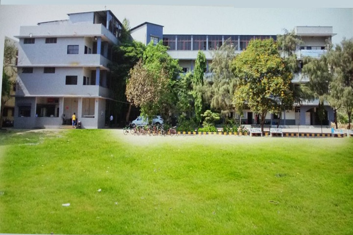 https://cache.careers360.mobi/media/colleges/social-media/media-gallery/16556/2018/10/27/Campus View of Smt GN Pandya Commerce and Science College Surat_Campus-View.jpg