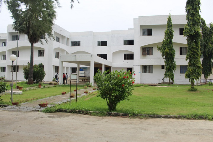 https://cache.careers360.mobi/media/colleges/social-media/media-gallery/16557/2018/12/13/Campus View of Kusumben Kadakia Arts and Commerce College Ankleshwar_Campus-View.jpg