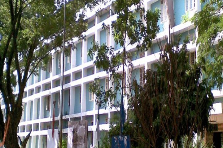 https://cache.careers360.mobi/media/colleges/social-media/media-gallery/16567/2016/10/4/Sree-Neelakanta-Govt-Sanskrit-College-Palakkad-(1).jpg