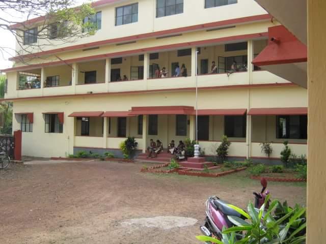 https://cache.careers360.mobi/media/colleges/social-media/media-gallery/16591/2016/10/3/Sri-Venkataramana-Womens-College-Udupi-(2).jpg