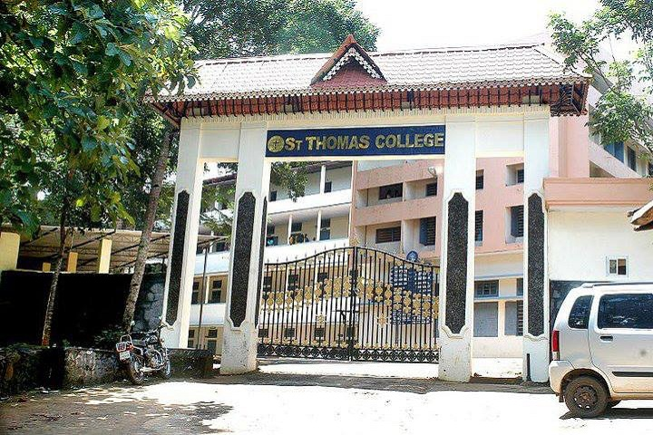 https://cache.careers360.mobi/media/colleges/social-media/media-gallery/16599/2019/5/24/College View of St Thomas College Pathanamthitta_Campus-View.jpg