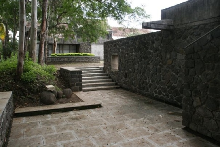 https://cache.careers360.mobi/media/colleges/social-media/media-gallery/16636/2020/2/21/College Building of Centre for Development Studies and Activities Pune_Campus-View.jpg