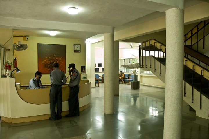 https://cache.careers360.mobi/media/colleges/social-media/media-gallery/16644/2021/2/5/Campus inside view of National Centre for Radio Astrophysics Pune_Campus-View.jpg