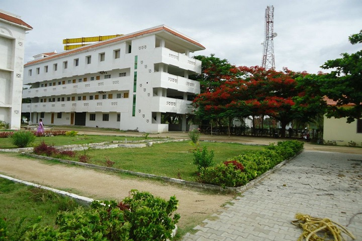 https://cache.careers360.mobi/media/colleges/social-media/media-gallery/16651/2018/12/17/College Building View of Tirupattur Arts and Science College Tirupattur_Campus-View.jpg