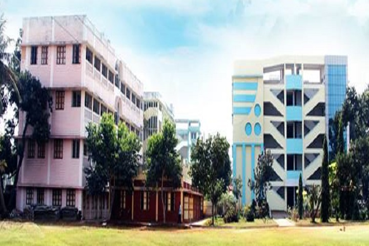 https://cache.careers360.mobi/media/colleges/social-media/media-gallery/16657/2018/12/17/Campus View of TSR and TBK Degree College Visakhapatnam_Campus-View.jpg
