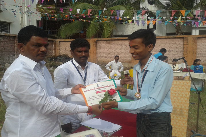 https://cache.careers360.mobi/media/colleges/social-media/media-gallery/16658/2018/12/17/Prize Distribution of Tulsi College of Computer Science and Information Technology Beed_Others.jpg