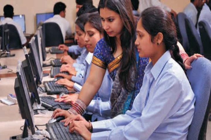 https://cache.careers360.mobi/media/colleges/social-media/media-gallery/16669/2016/10/5/Universal-Institute-of-Nursing-Mohali-(12).JPG
