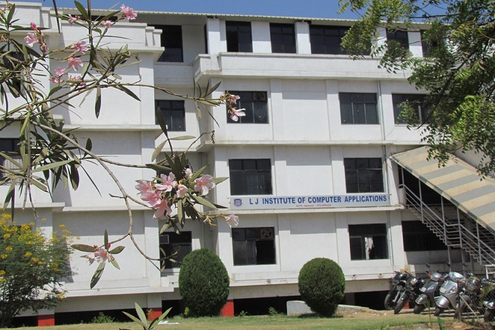 https://cache.careers360.mobi/media/colleges/social-media/media-gallery/16743/2019/2/18/Campus View of LJ Institute of Computer Applications Ahmedabad_Campus-View.jpg