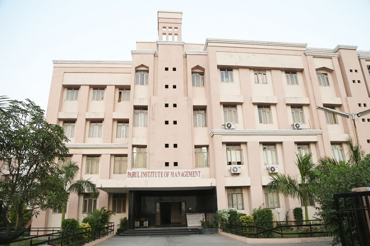 https://cache.careers360.mobi/media/colleges/social-media/media-gallery/16744/2018/12/21/College Building View of Parul Institute of Management and Research Vadodara_Campus-View.jpg