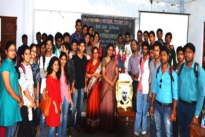 https://cache.careers360.mobi/media/colleges/social-media/media-gallery/16790/2018/7/24/Parmeshwar-Pandey-Mahavidyalaya-Gorakhpur-6.jpg