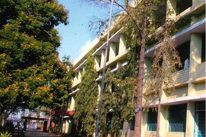 https://cache.careers360.mobi/media/colleges/social-media/media-gallery/16819/2016/11/10/Government-Arts-College-for-Men-Krishnagiri-(1).JPG