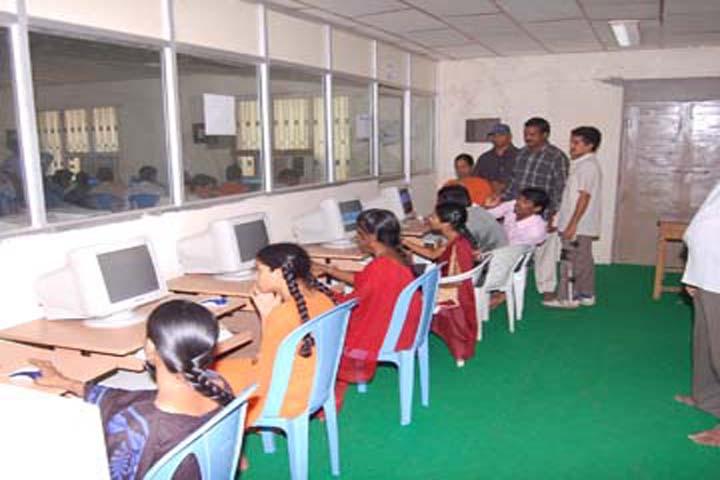 https://cache.careers360.mobi/media/colleges/social-media/media-gallery/16841/2016/11/14/Maddala-Ramakrishnamma-Polytechnic-Veeravasaram.8.jpg