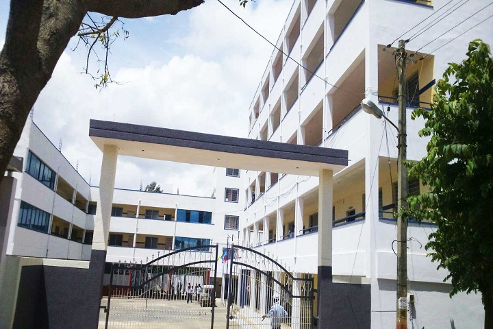 https://cache.careers360.mobi/media/colleges/social-media/media-gallery/16900/2018/8/9/Sri-Ranga-College-of-Education-Society-Hassan-campu-view.jpg