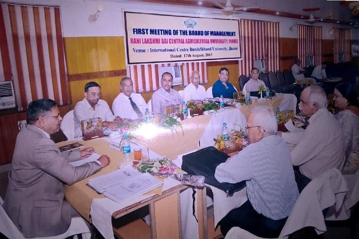 https://cache.careers360.mobi/media/colleges/social-media/media-gallery/1691/2017/12/19/Rani-Lakshmi-Bai-Central-Agricultural-University-Jhansi9.jpg