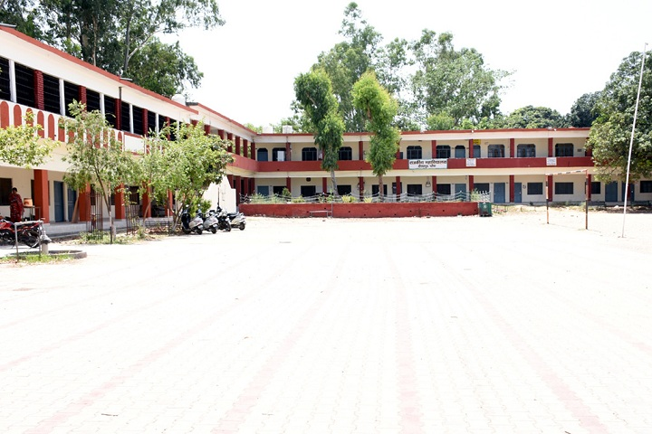 https://cache.careers360.mobi/media/colleges/social-media/media-gallery/16958/2019/4/19/College Building View of Government College Daulatpur Chowk_Campus-View.jpg