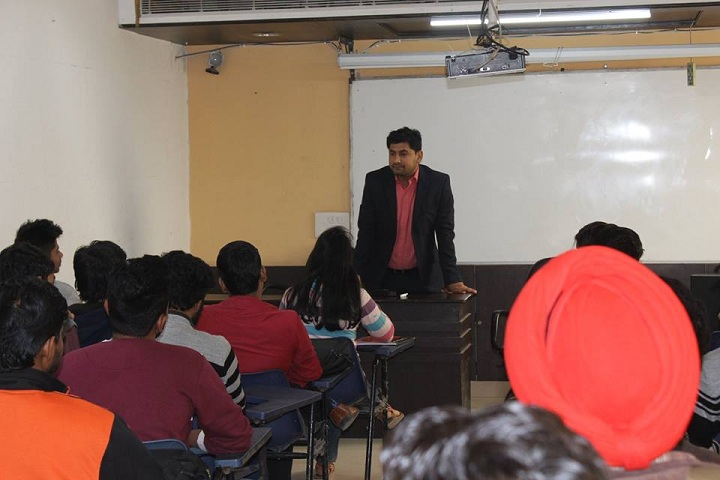 https://cache.careers360.mobi/media/colleges/social-media/media-gallery/17025/2019/1/18/Seminar room of International Institute of Management Media and IT Delhi_Others.jpg