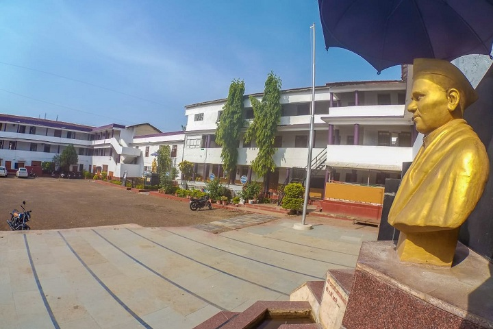 https://cache.careers360.mobi/media/colleges/social-media/media-gallery/17112/2019/4/27/College Building of Lal Bahadur Shastri College of Arts Science and Commerce Satara_Campus-View.jpg