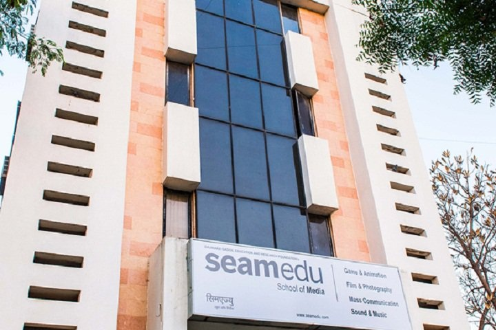 https://cache.careers360.mobi/media/colleges/social-media/media-gallery/17155/2019/5/31/Campus View of Seamedu School of Pro Expressionism Pune_Campus-View.jpg