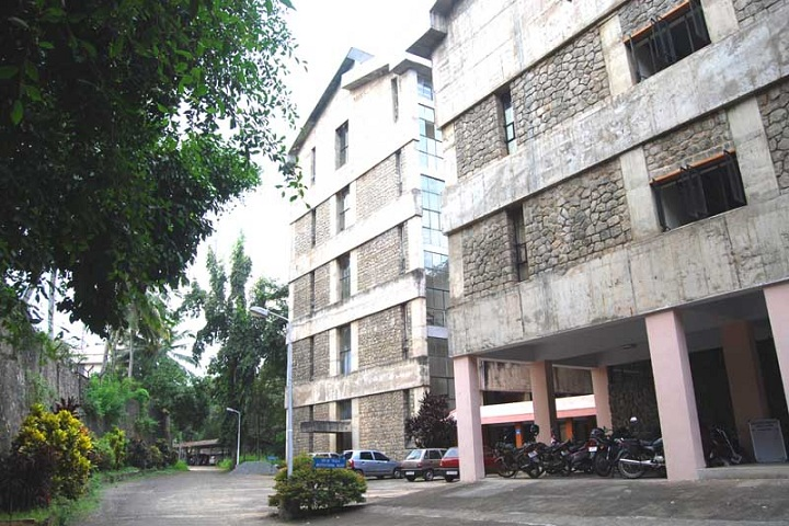 https://cache.careers360.mobi/media/colleges/social-media/media-gallery/17171/2019/4/15/College View of College of Dairy Science and Technology Thiruvananthapuram_Campus-View.jpg