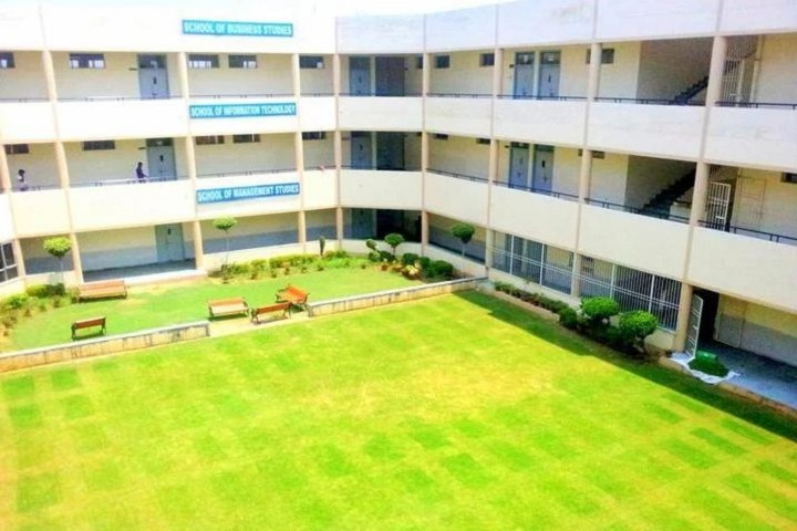 https://cache.careers360.mobi/media/colleges/social-media/media-gallery/17191/2018/12/13/Campus view of Apeejay Svran Institute of Management Jalandhar_Campus-View.JPG
