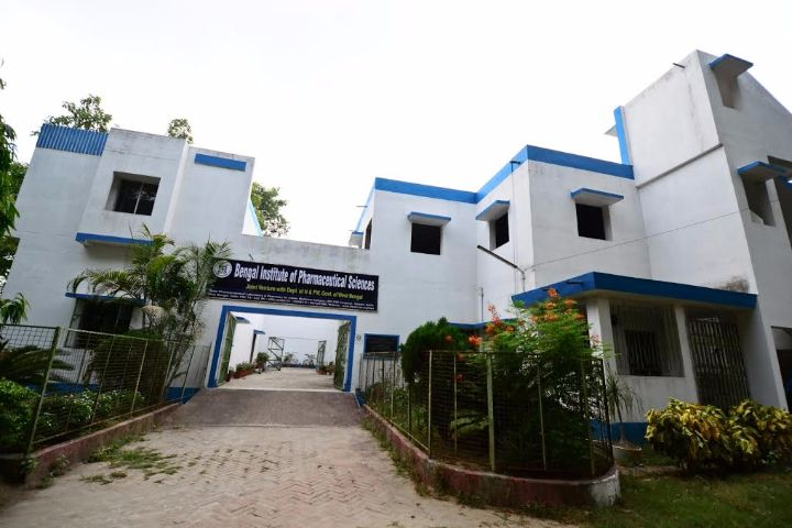 https://cache.careers360.mobi/media/colleges/social-media/media-gallery/17196/2018/12/26/Campus view of Bengal Institute of Pharmaceutical Sciences Kalyani_Campus-view.jpg
