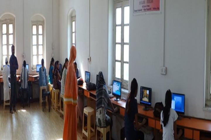 https://cache.careers360.mobi/media/colleges/social-media/media-gallery/17216/2017/2/1/Saifee-Golden-Jubilee-Quaderia-College-Burhanpur4.jpg