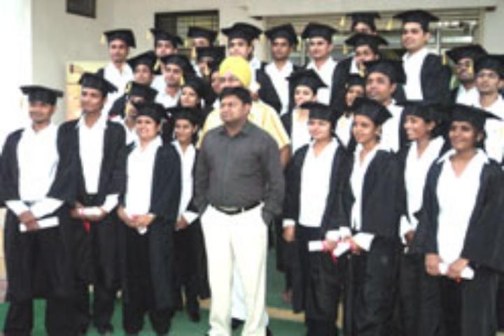 https://cache.careers360.mobi/media/colleges/social-media/media-gallery/17222/2017/2/2/Indore-Indira-School-of-Career-Studies-Indore5.jpg
