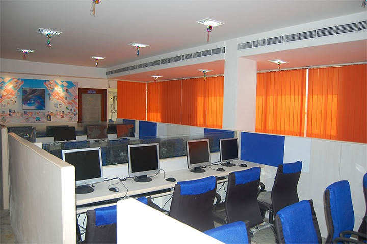 https://cache.careers360.mobi/media/colleges/social-media/media-gallery/17290/2019/1/1/IT lab of Digiquest Academy Hyderabad_IT-lab.jpg