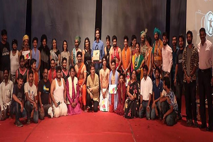 https://cache.careers360.mobi/media/colleges/social-media/media-gallery/17292/2019/1/3/Group picture of Annapurna International School of Film and Media Hyderabad_Others.jpg