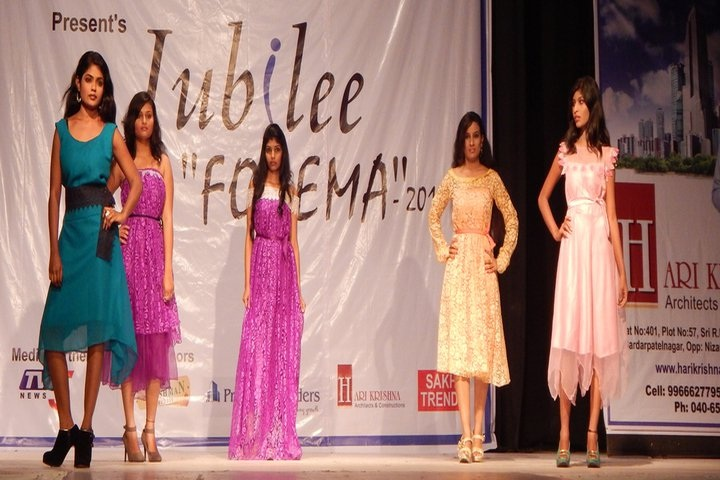 https://cache.careers360.mobi/media/colleges/social-media/media-gallery/1732/2018/12/31/Ramp walk of Jubilee Institute of Fashion Designing Hyderabad_Others.jpg
