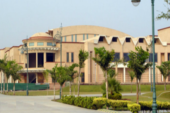 https://cache.careers360.mobi/media/colleges/social-media/media-gallery/17363/2019/1/1/Campus view of GD Goenka School of Fashion and Design Gurgaon_Campus-view.png