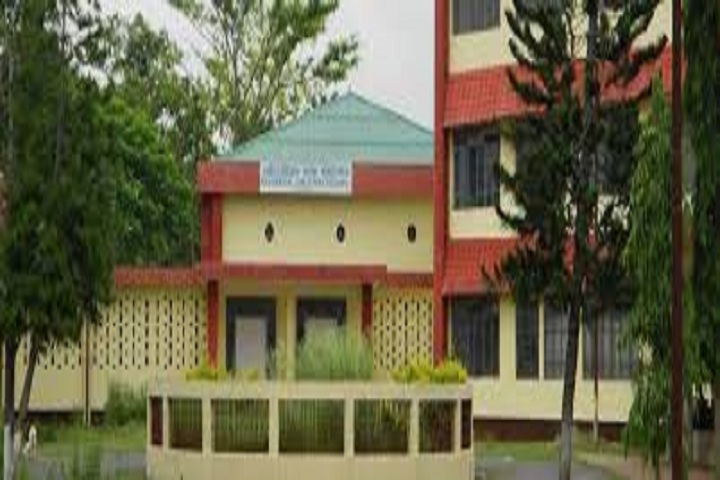 https://cache.careers360.mobi/media/colleges/social-media/media-gallery/17398/2019/3/13/Campus View of Residential Girls Polytechnic Golaghat_Campus-View.jpg