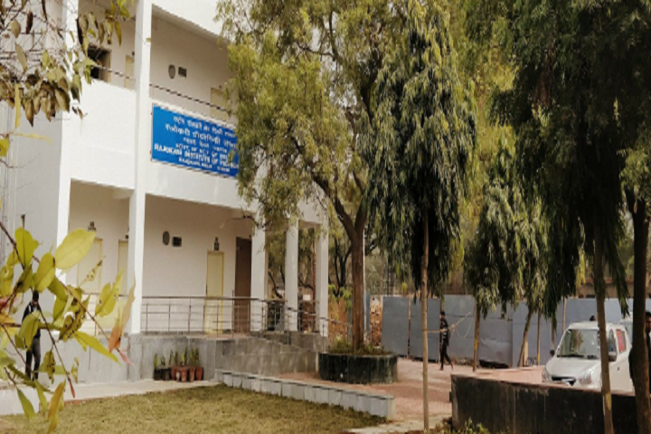 https://cache.careers360.mobi/media/colleges/social-media/media-gallery/17424/2018/11/29/Campus View of Rajokari Institute of Technology Delhi_Campus-View.png