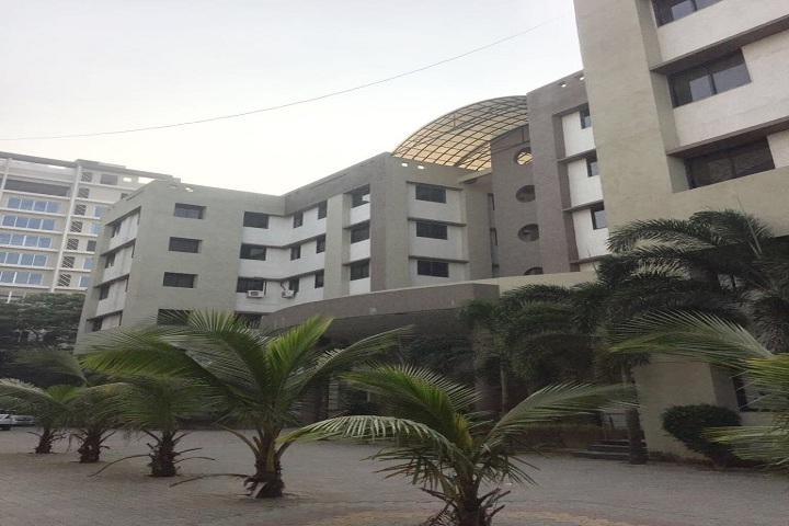 https://cache.careers360.mobi/media/colleges/social-media/media-gallery/17429/2019/4/10/Campus-View of Bhagwan Mahavir College of Business Administration Surat_Campus-View.jpg