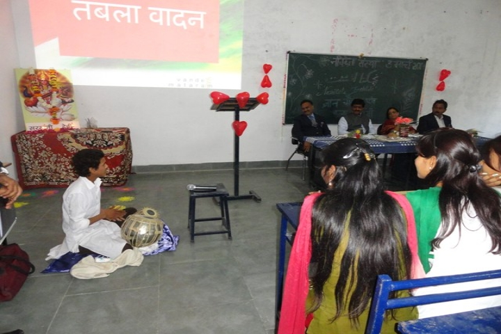https://cache.careers360.mobi/media/colleges/social-media/media-gallery/17451/2018/12/31/Students performances at classroom of Nachiketa Institute of Management and Information Technology Jabalpur_Classroom.jpg