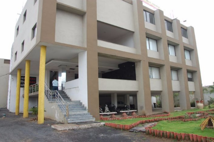 https://cache.careers360.mobi/media/colleges/social-media/media-gallery/17455/2019/4/22/Campus View of Jabalpur Public College Jabalpur_Campus-View.jpg