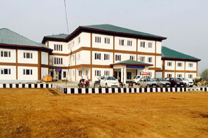 https://cache.careers360.mobi/media/colleges/social-media/media-gallery/17483/2019/3/16/Campus view of Government Polytechnic College Anantnag_Campus-View.jpg